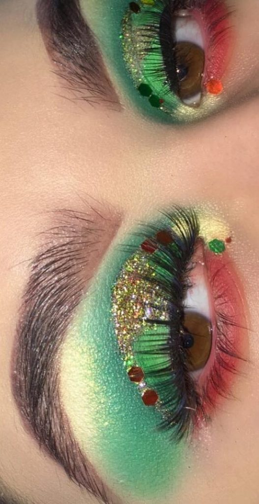 Gold Green Eyelid with Red Points #Christmas #makeup #beauty #trendypins