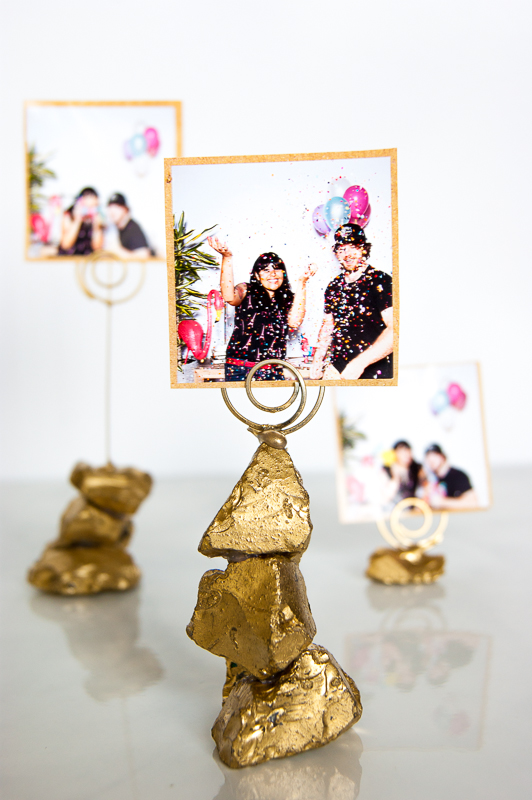 Golden Nugget Photo Holder #DIY #Christmas #gifts #trendypins