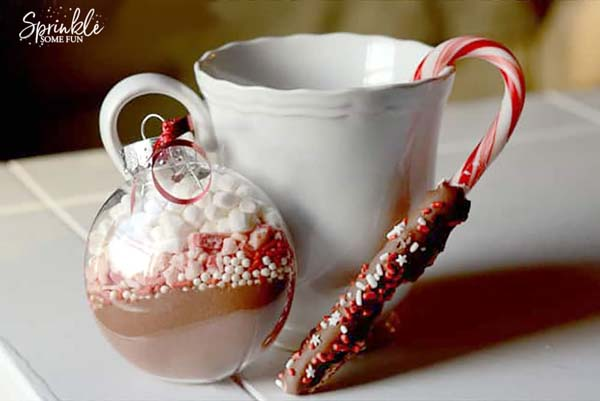 Hot Cocoa Mix Ornaments #DIY #Christmas #gifts #trendypins
