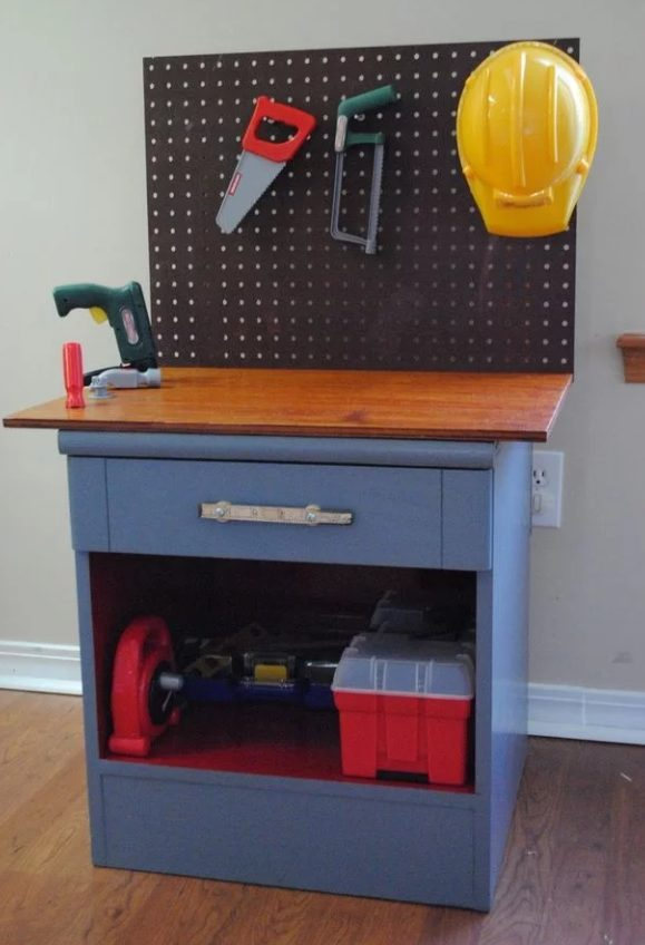 Workbench for Kids #DIY #Christmas #gifts #trendypins