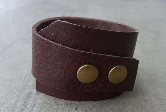 Leather Cuff #DIY #Christmas #gifts #trendypins