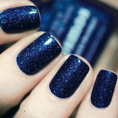 Midnight Blue Nails for Christmas #Christmas #nails #trendypins