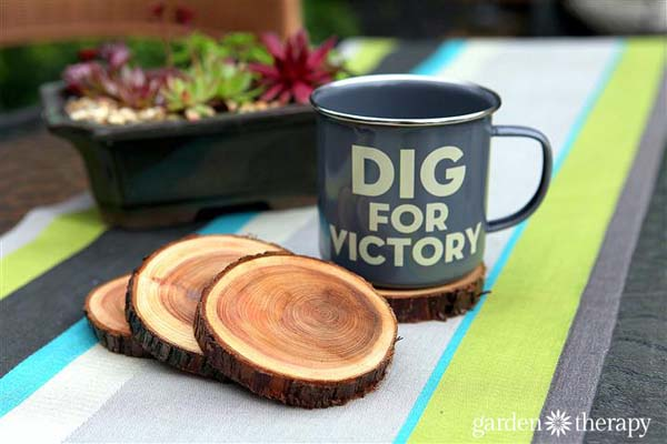 Natural Branch Coasters #DIY #Christmas #gifts #trendypins