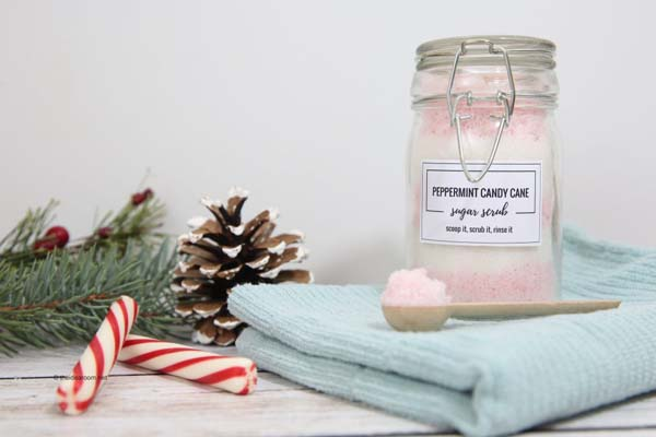 Peppermint Candy Cane Sugar Scrub #DIY #Christmas #gifts #trendypins