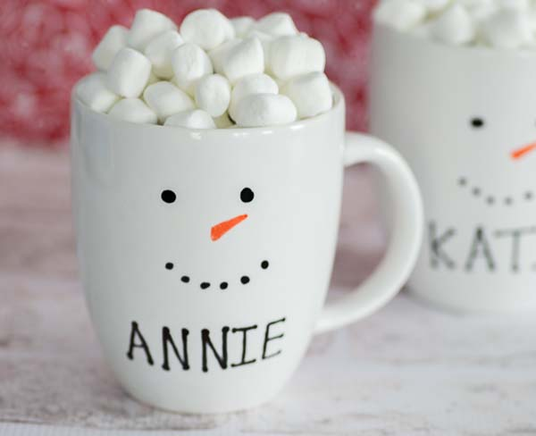 Personalized Snowman Mugs #DIY #Christmas #gifts #trendypins