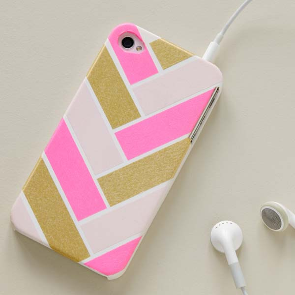 Herringbone Cell Phone Cover #DIY #Christmas #gifts #trendypins