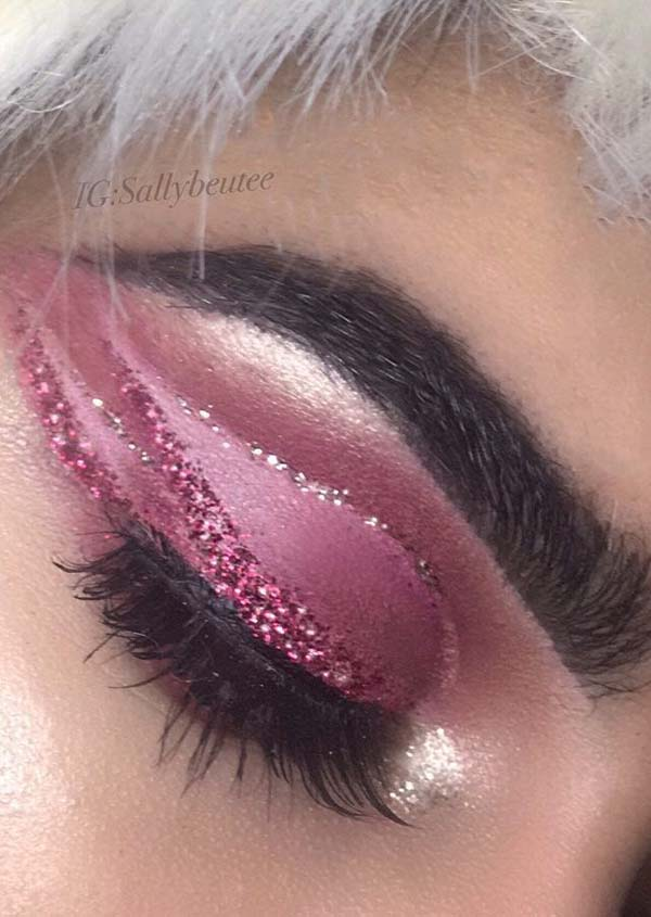 Pink and Silver Eyeliner #Christmas #makeup #beauty #trendypins