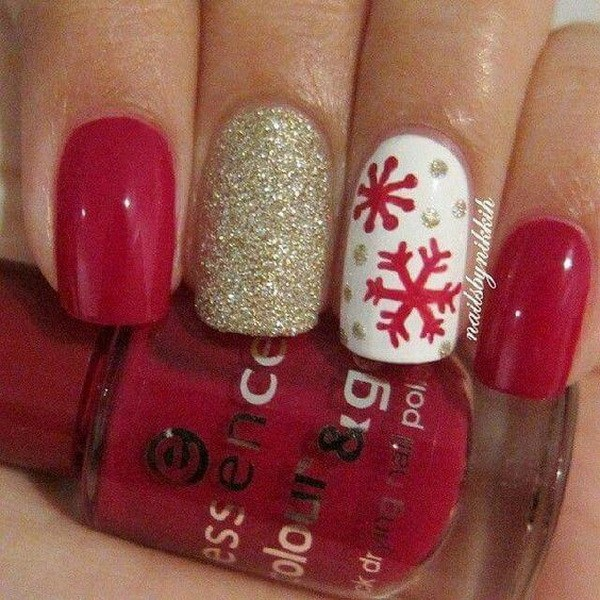 Red Snowflake and Gold Glitter Christmas Nails #Christmas #nails #trendypins