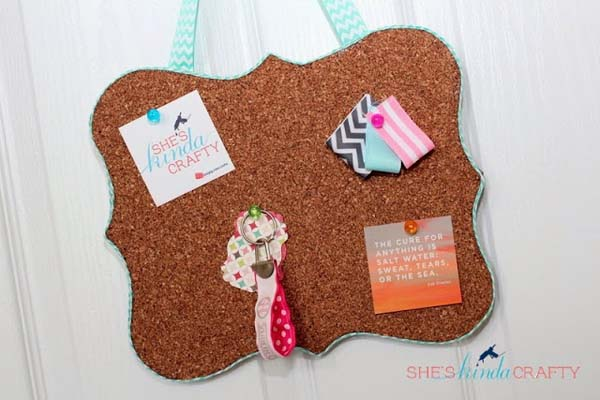 Shaped Cork Board #DIY #Christmas #gifts #trendypins