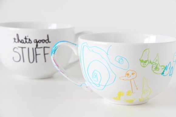 Sharpie Mugs with Personalized Message #DIY #Christmas #gifts #trendypins