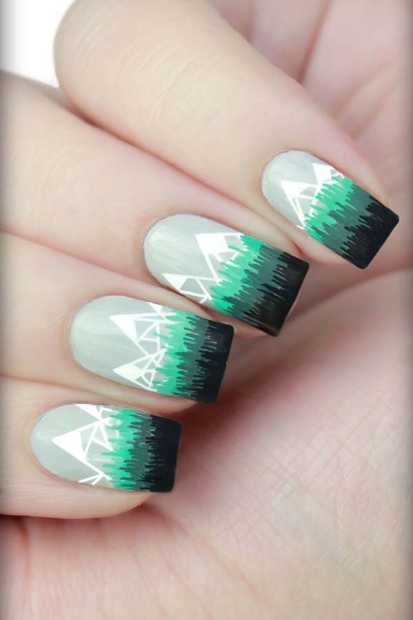 Snow Capped Mountains Christmas Nails #Christmas #nails #trendypins