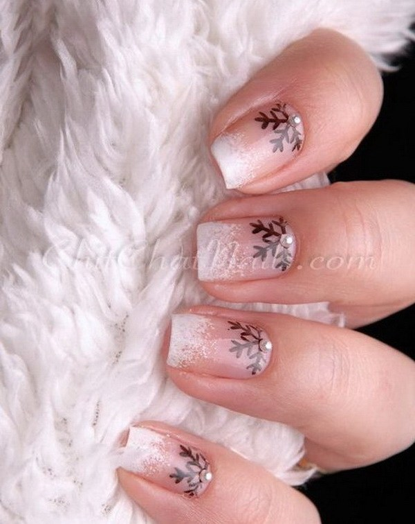 Snowflake and Glitter French Manicure #Christmas #nails #trendypins