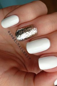 Sparkly Center and White Christmas Nails