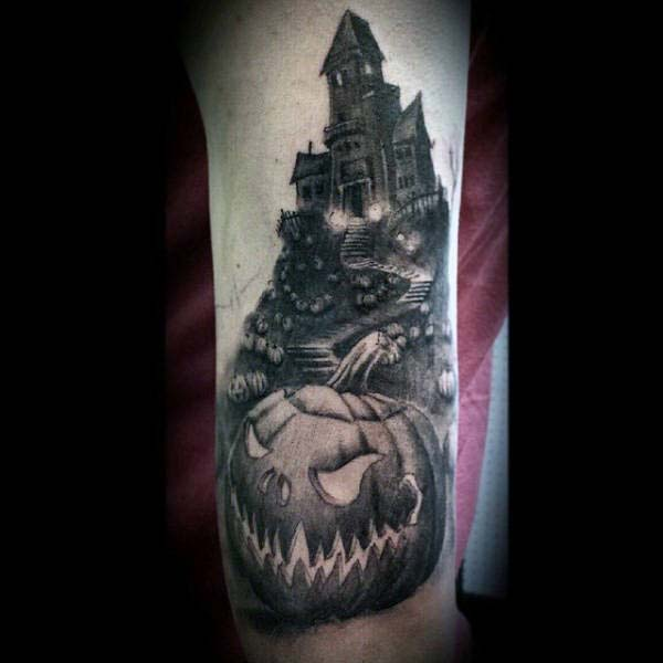 "The Creepy House from the Alfred Hitchcock Film ""Psycho"" #Halloween #tattoos #trendypins"