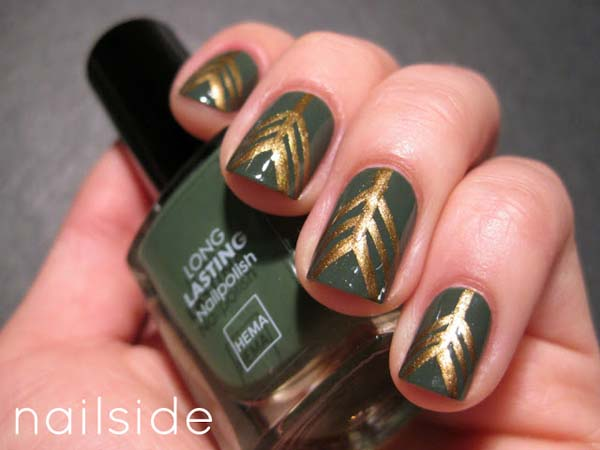 Tribal Gold Print on Dark Green Base #Christmas #nails #trendypins