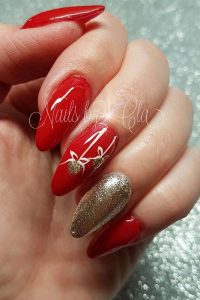 Red Base Gold Flowers Christmas Nails