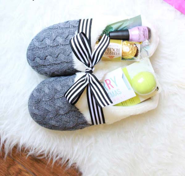 Slippers Gift Idea #DIY #Christmas #gifts #trendypins