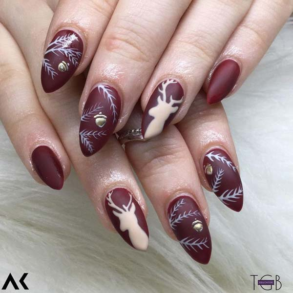 White Deer and Acorns on Dark Red Base Christmas Nails #Christmas #nails #trendypins