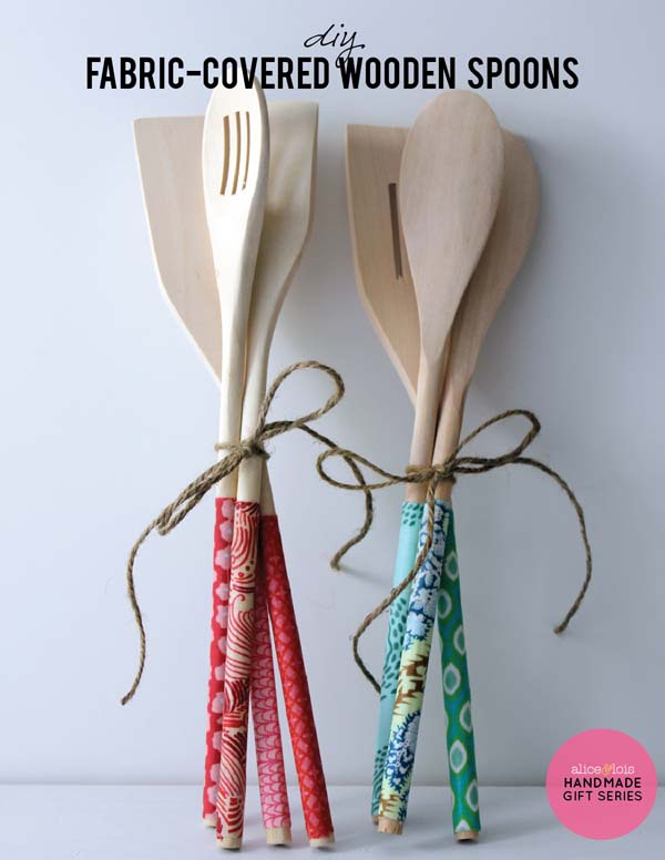 DIY Fabric-Covered Wooden Spoons #DIY #Christmas #gifts #trendypins