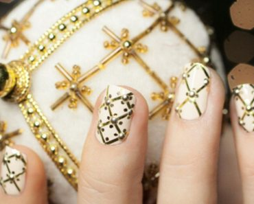 Christmas Nails with Gold Rhinestones and Sequins