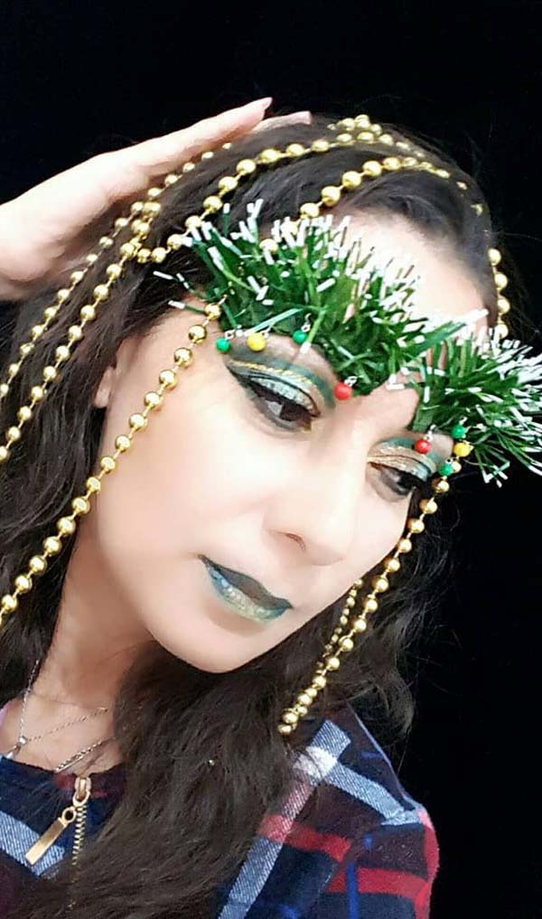 Christmas-Trees-and-Gold-Strings-Makeup-Look