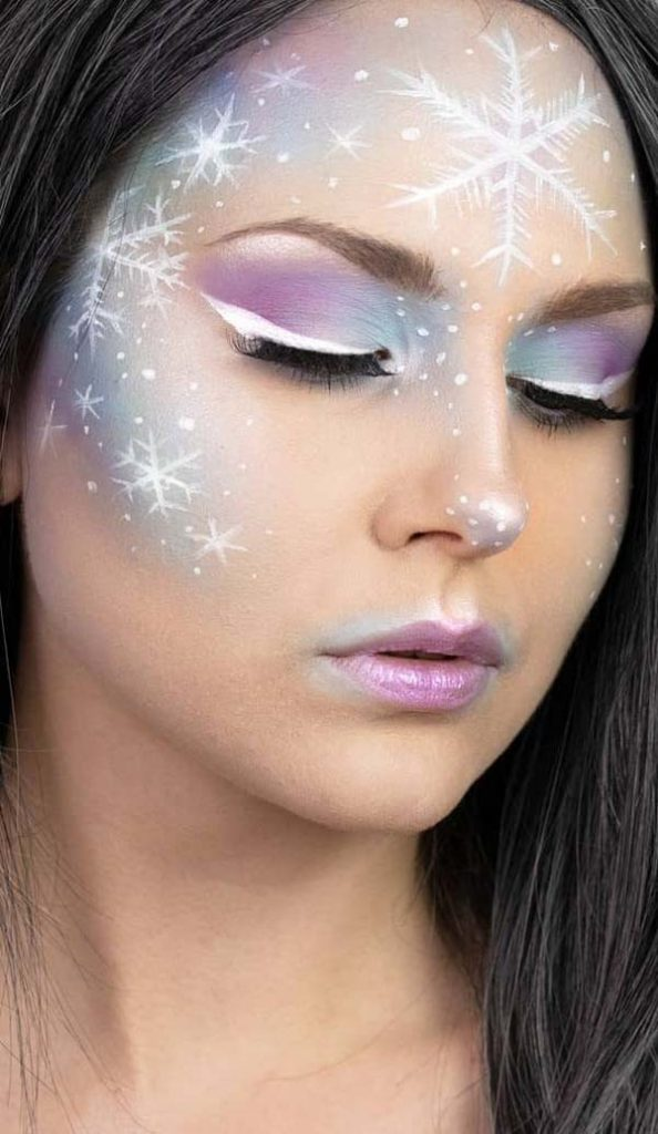 Violet Christmas Makeup Look #Christmas #makeup #beauty #trendypins