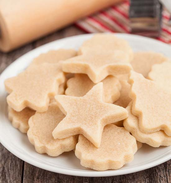 Almond Cut Out Cookies #Christmas #cookie #recipes #trendypins