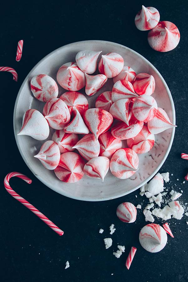 Candy Cane Meringue Kisses #Christmas #candy #recipes #trendypins