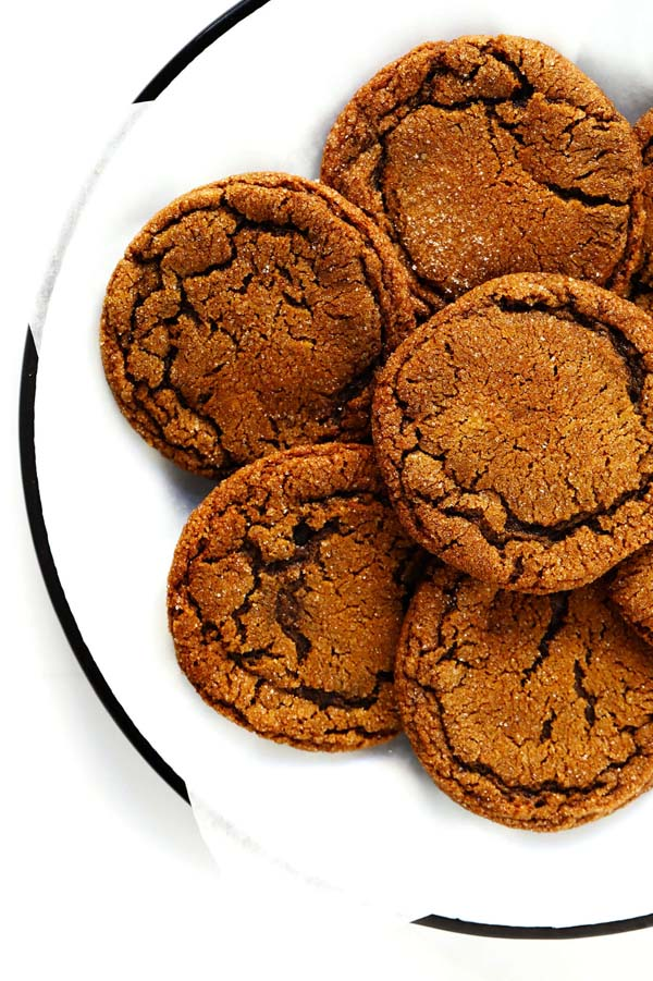 Chewy Ginger Molasses Cookies #Christmas #cookie #recipes #trendypins