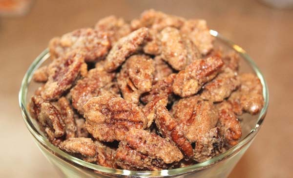 Cinnamon Sugar Pecans #Christmas #candy #recipes #trendypins