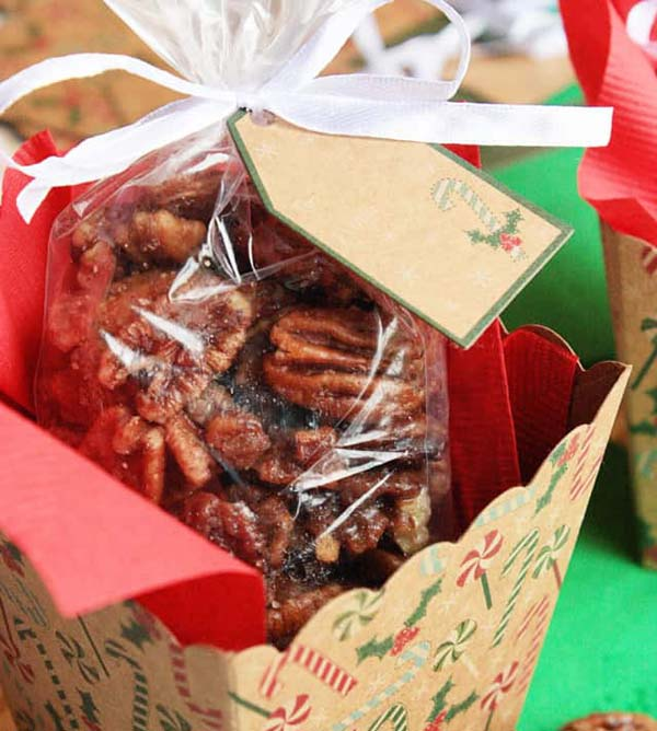 Crockpot Roasted Sugared Pecans #Christmas #candy #recipes #trendypins