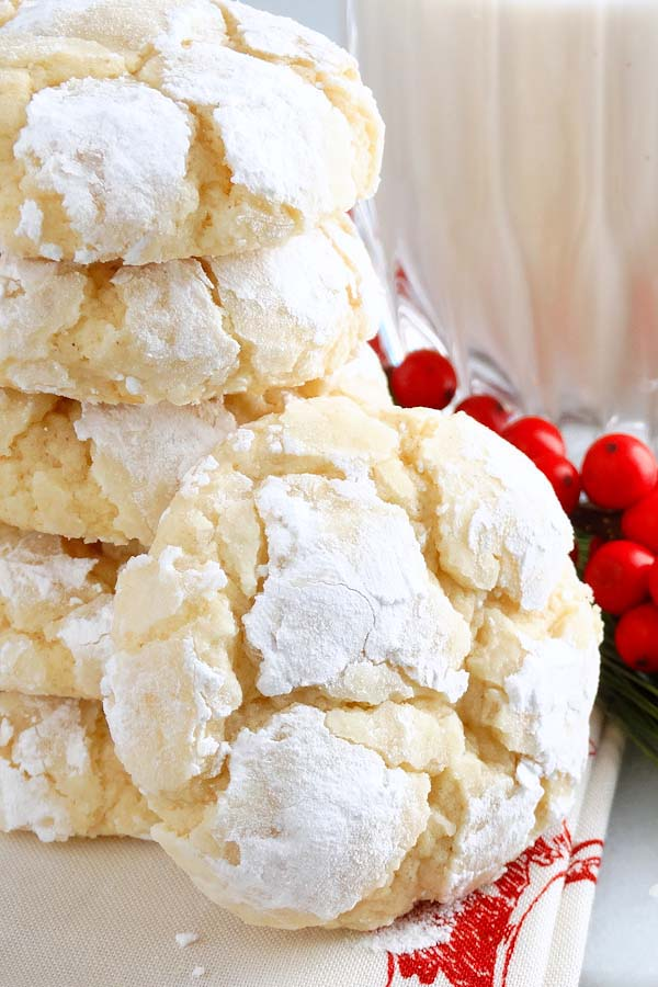 Eggnog Gooey Butter Cookies #Christmas #cookie #recipes #trendypins