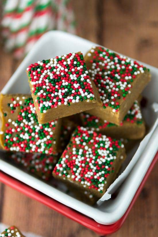Gingerbread Fudge #Christmas #candy #recipes #trendypins