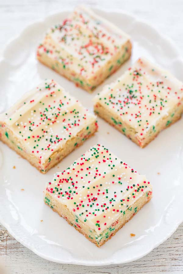 Holiday Sugar Cookie Bars with Cream Cheese Frosting #Christmas #cookie #recipes #trendypins