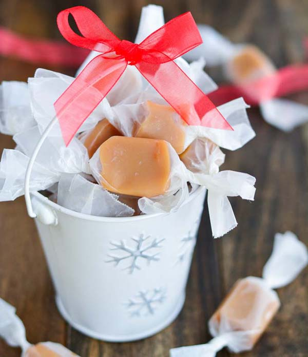 Homemade Christmas Caramels #Christmas #candy #recipes #trendypins