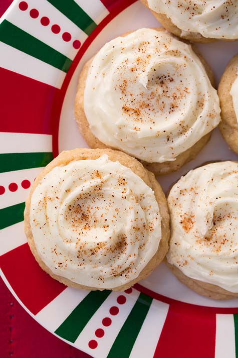 Melt-In-Your-Mouth Eggnog Cookies #Christmas #cookie #recipes #trendypins