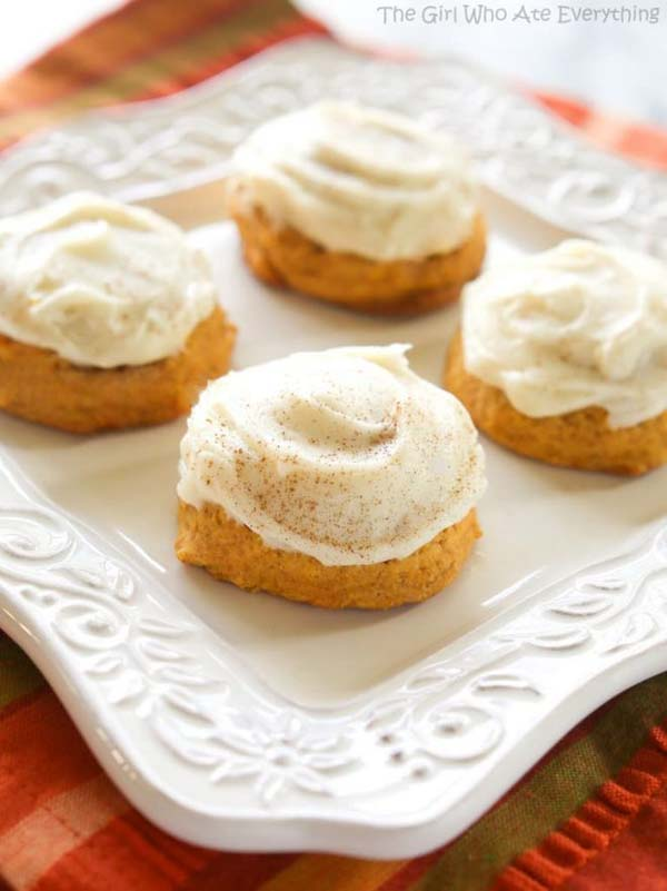 Melt In Your Mouth Pumpkin Cookies #Christmas #cookie #recipes #trendypins