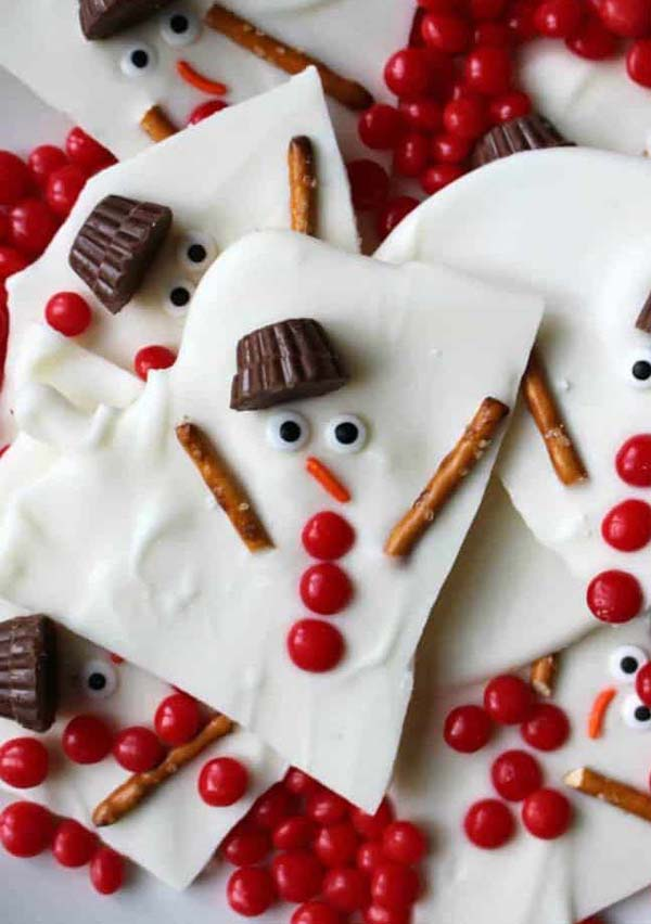 Melted Snowman Chocolate Bark #Christmas #candy #recipes #trendypins