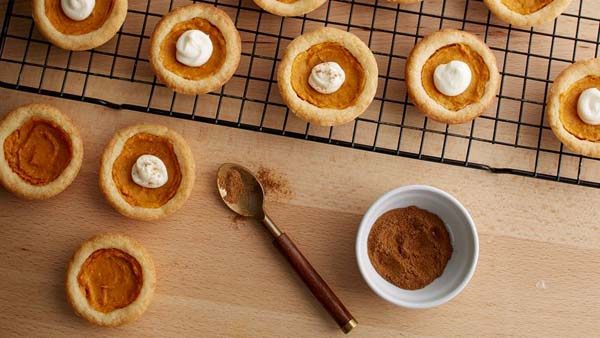 Pumpkin Pie Sugar Cookies #Christmas #cookie #recipes #trendypins