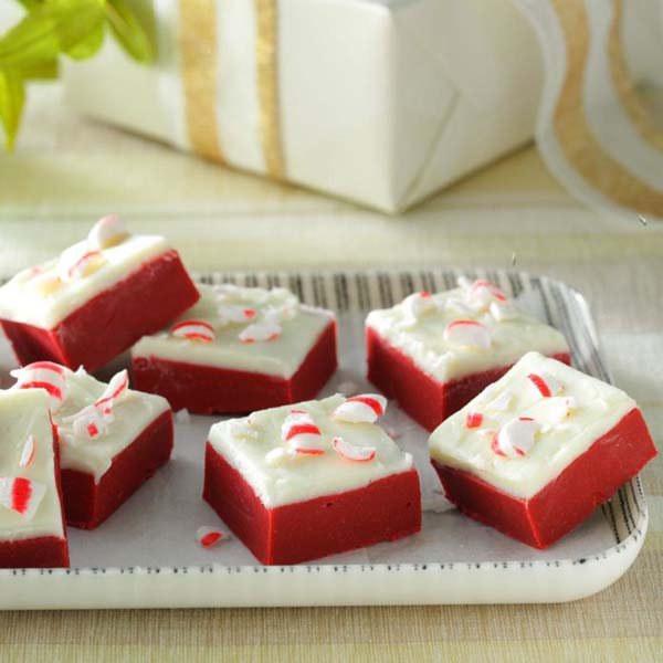 Red Velvet Candy Cane Fudge #Christmas #candy #recipes #trendypins