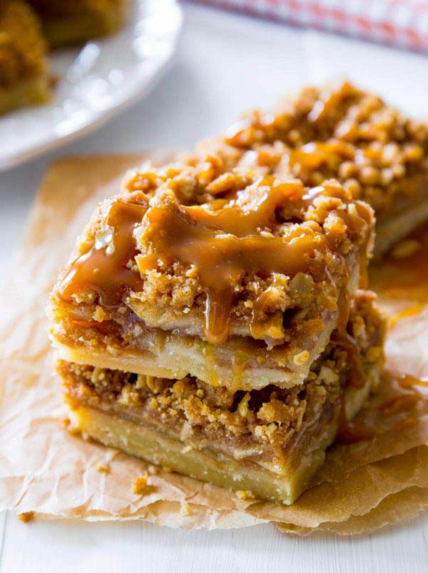 Salted Caramel Apple Pie Bars #Christmas #cookie #recipes #trendypins