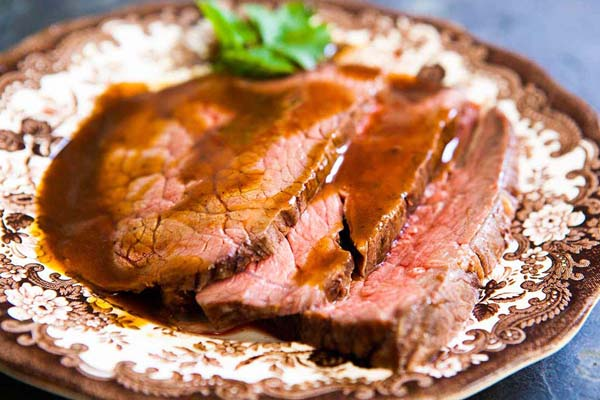 Classic Roast Beef #Christmas #recipes #dinner #trendypins