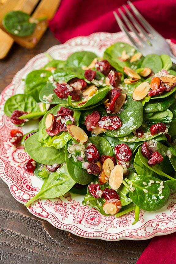Cranberry Almond Spinach Salad #Christmas #recipes #dinner #trendypins