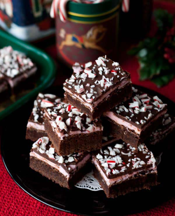 Peppermint Candy Cane Brownies #Christmas #recipes #dinner #trendypins