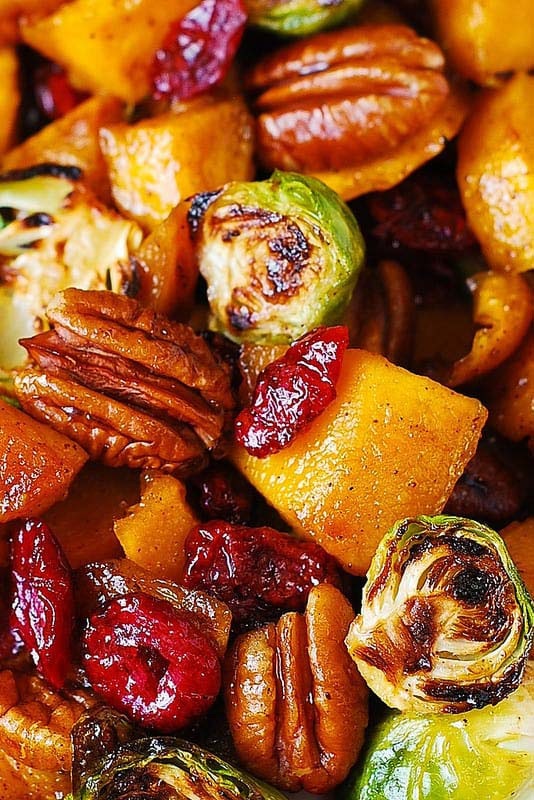 Roasted Brussels Sprouts, Cinnamon Butternut Squash, Pecans, and Cranberries #Christmas #recipes #dinner #trendypins
