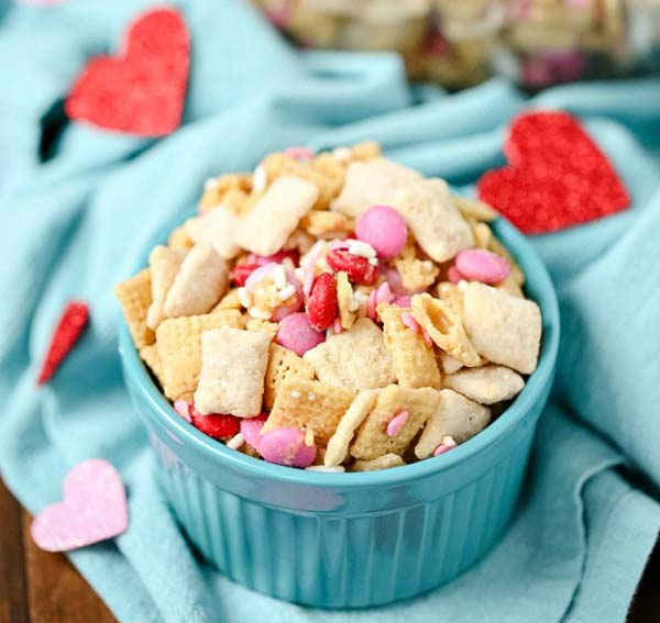 Another Valentine's Day Chex Mix #Valentine's Day #recipes #treats #trendypins