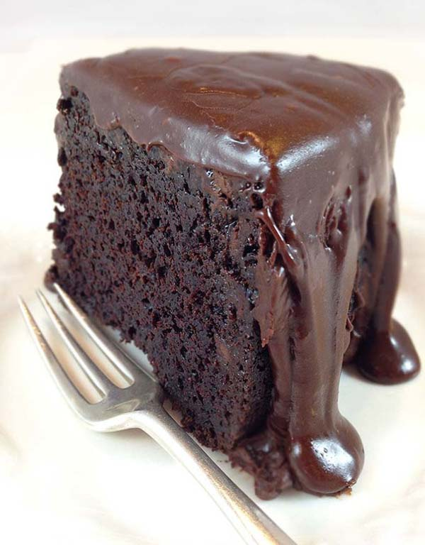 Brick Street Chocolate Cake #Valentin's Day #recipes #cakes #trendypins