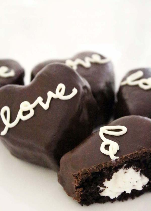 Cream Filled Chocolate Heart-Shaped Cakes #Valentine's Day #recipes #desserts #trendypins