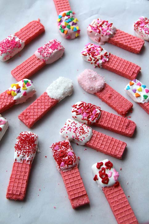 Easy Strawberry Wafer Cookies #Valentine's Day #recipes #treats #trendypins