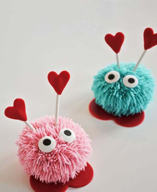 Love Bug Cupcakes #Valentine's Day #recipes #cupcakes #trendypins